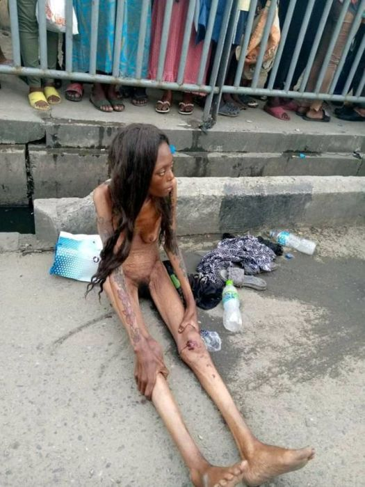 SHOCKING!!! See The Terrible Thing That Happened To A Lady After Been Dropped By A Car In Ajah (Photos) 3