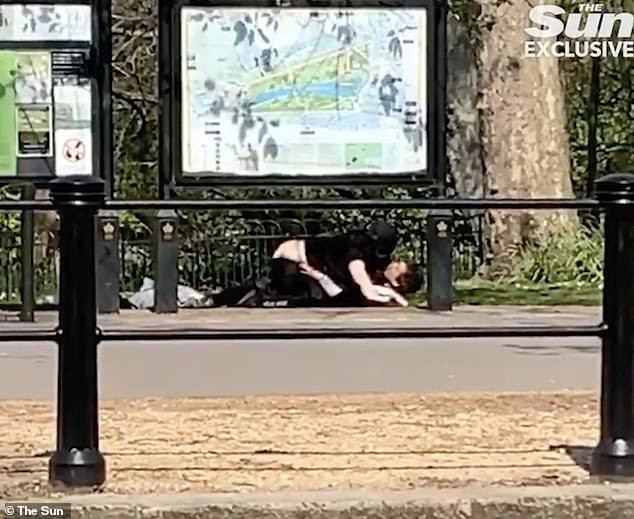 Couple Having Sex On The Street Despite Lockdown 1