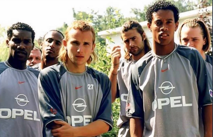 ThrowbackThursday : Asides Okocha, Name 2 Other Players You Can Recognize From This Legendary Photo