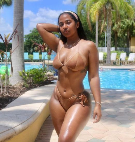 WOW!! Check Out 20 Hot Photos Of Mya Yafai, Davido's New Girlfriend After He Left Chioma 9