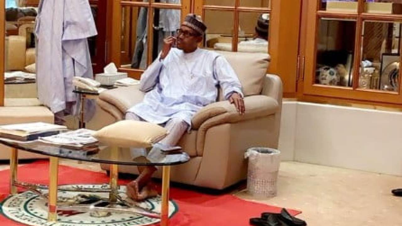 """Picture Of President Buhari """"Cleaning His Teeth"""", Creates ..."""