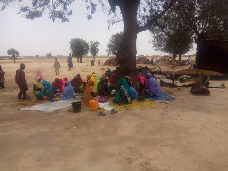 EYza4fPX0AIDP l - One Dead, Many Injured And Property Destroyed As Fire Ravages IDP Camp In Borno (Photos)