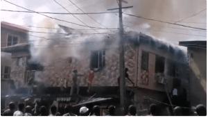 Fire Guts Building In Mushin, Lagos