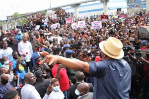 Wike EndSARS - After Initial Threat, Wike Bows To Pressure, Joins #EndSARS Protesters (Video)