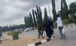 endsars - Soldiers Attack #EndSARS Protesters At National Assembly