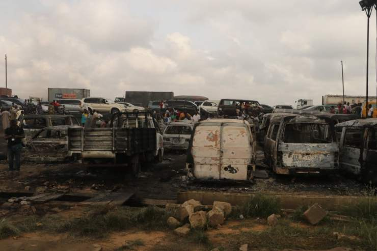 2 Dead, Over 20 Vehicles Burnt As Tanker Explodes On Kara Bridge