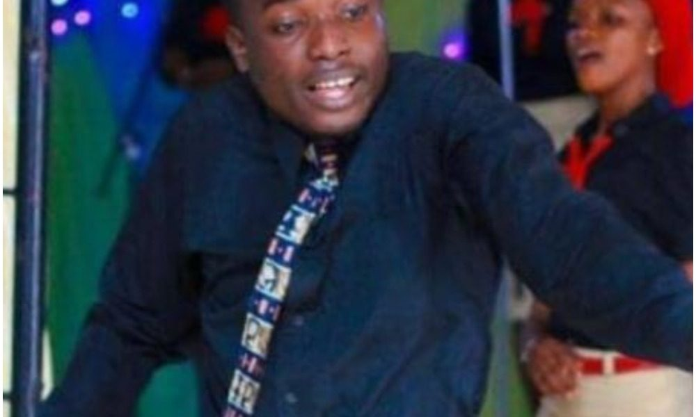 Young Nigerian Guitarist Slumps And Dies In Church While Worshipping God |Photo