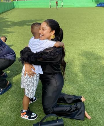 Mixed Reactions As Tonto Dikeh Gets 'No 1 Dad' Badge At Her Son's School