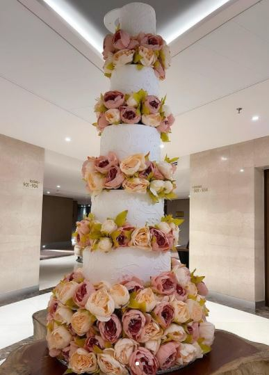Tonto Dikeh Clocks 36, Shows Off Gigantic Cake To Mark Birthday  Photos