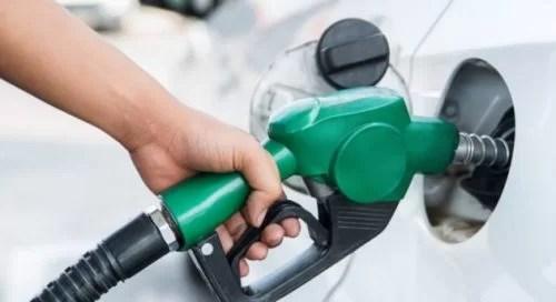BREAKING: FG reduces petrol pump price to N121.50 - TV360 Nigeria