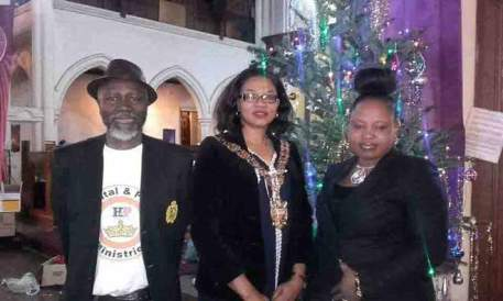 PHOTOS: SPEAKER OF HACKNEY COUNCIL, LONDON, PARTY WITH THE HOMELESS