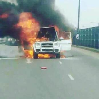 Fire razes Fayose's G-wagon as driver packs burnt cash, items