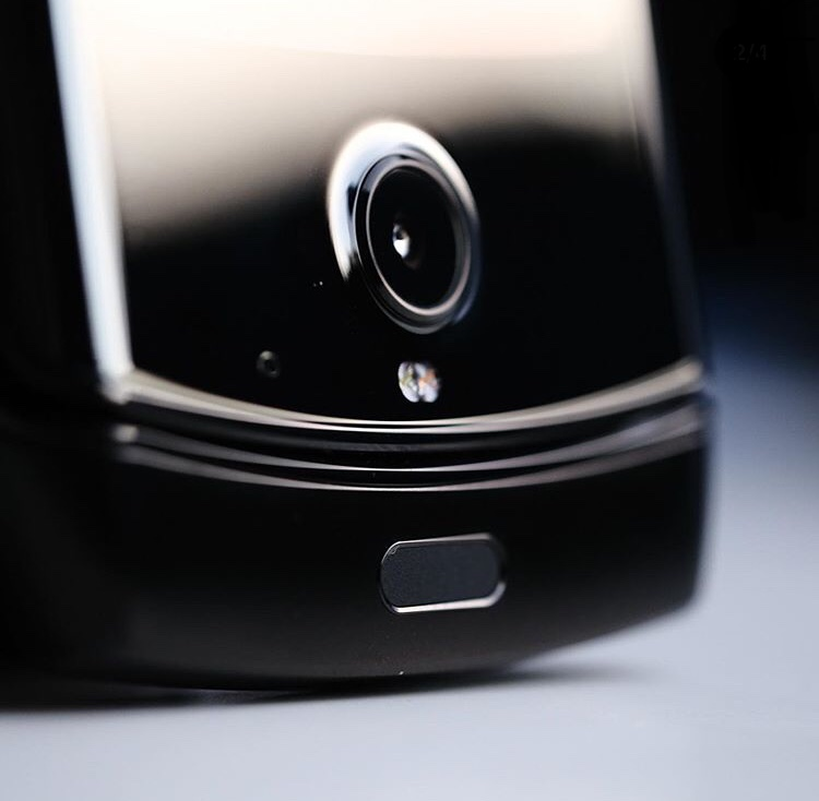 Motorola RAZR Hands-on: It a throwback 34