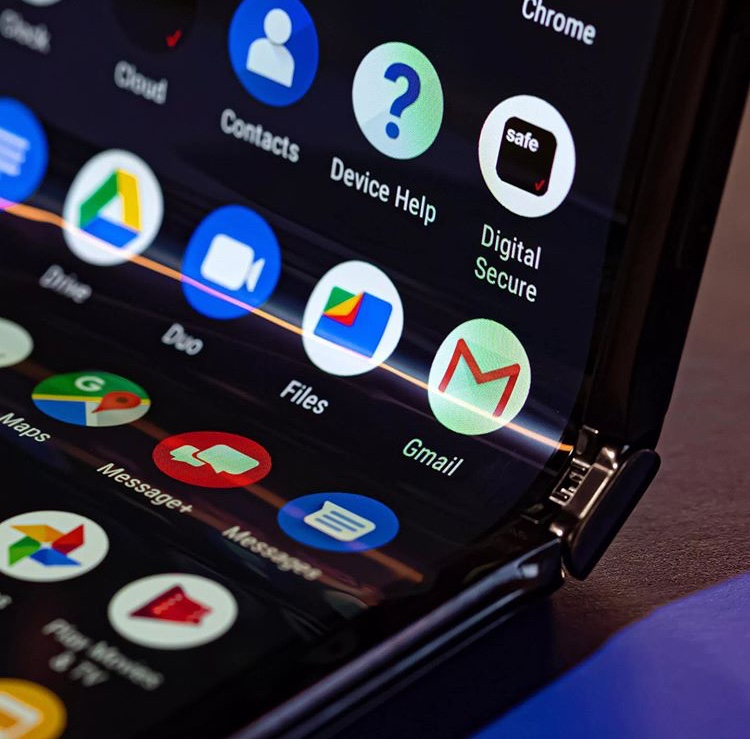 Motorola RAZR Hands-on: It a throwback 33