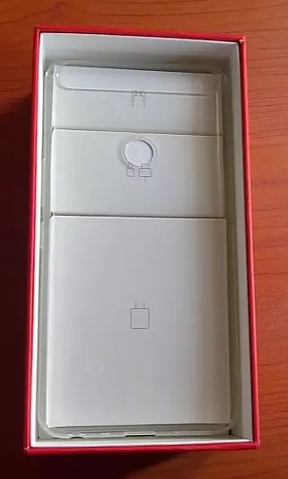 Transperent Phone Case in the box