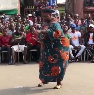 ow 298x300 - ENTERTAINMENT: Video Of Chubby Nigerian Woman Twerking To Olamide's 'Wo' Will Make Your Day | Watch