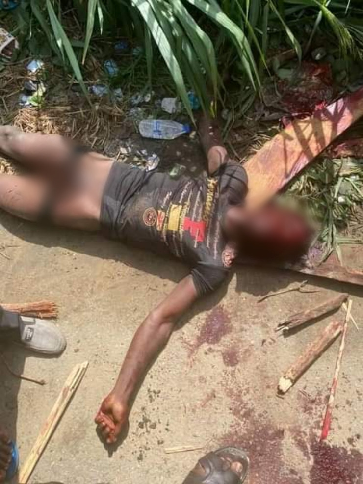 Angry mob beats suspected robber to death in Bayelsa (photo)