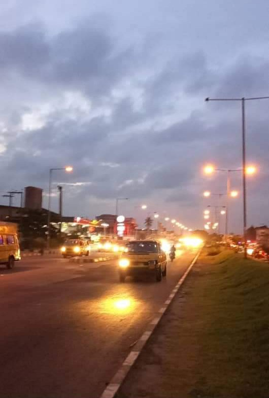61202458a57d2 - Update: Lagos state government fix street lights on Funsho Williams avenue, Surulere after armed robbers attacked motorists (photos)