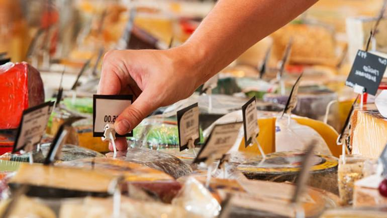 10 telltale signs you're in a great cheese shop.
