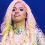 VIDEO:Cardi B's Wig Falls Off While Twerking On Stage