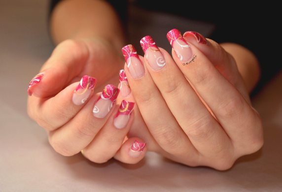 NAIL ART FRENCH CERCLES NUDE 6
