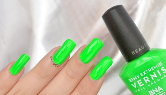 BEAUTY NAILS GREEN FLUO 3