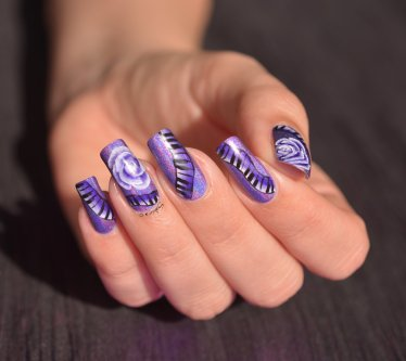 NAIL ART ONE STROKE MUSIQUE 3