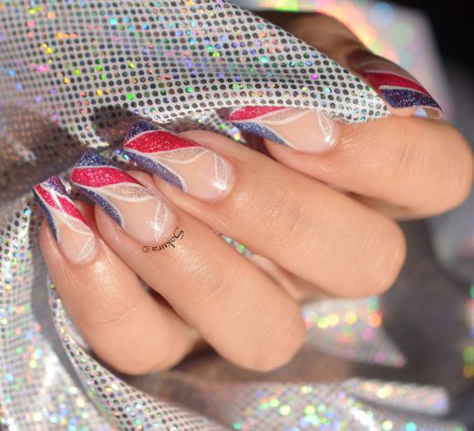 NAIL ART FRENCH GRAPHIQUE HOLO
