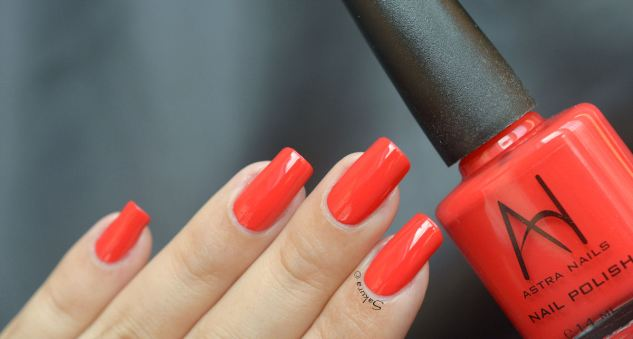 ASTRA NAILS RED 3