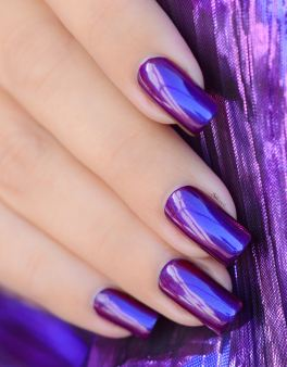 COLOR CLUB WE'LL NEVER BE ROYALS