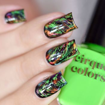 NAIL ART GRAFFITIS FLUOS 4