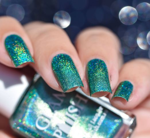 GLAMPOLISH THE HOLO STRICKES BACK 3