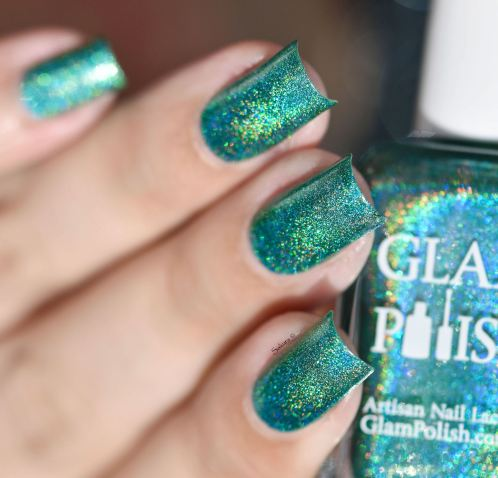 GLAMPOLISH THE HOLO STRICKES BACK 4