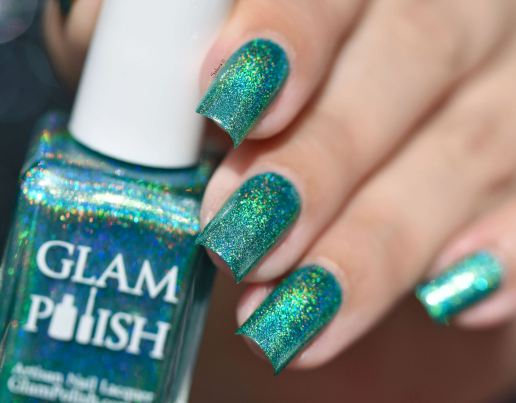 GLAMPOLISH THE HOLO STRICKES BACK 7