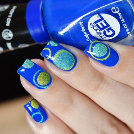 NAIL ART BUBBLES BLUES 2