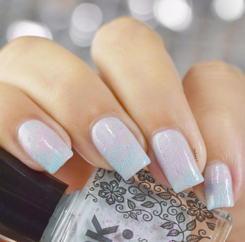 NAIL ART LUCY FEATHER