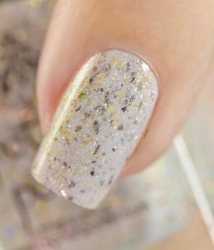 POTION POLISH SNOW ANGEL 5