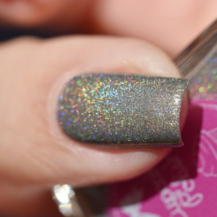 CUPCAKE POLISH CRACKING ON (1)