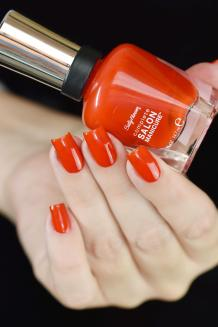 SALLY HANSEN NEW FLAME 4
