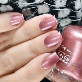 SALLY HANSEN RAISIN THE BAR 3