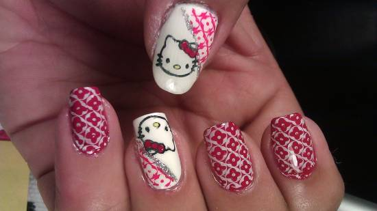 Hello Kitty Nail Designs