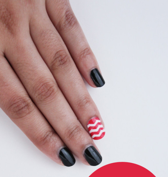 Chic Single Chevron Nail