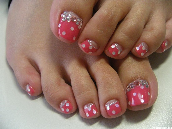 Stunning Flower Toe Nail Art
