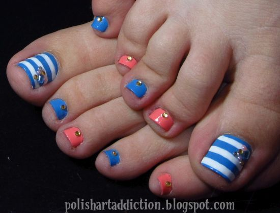 Fancy DIY toe nail designs in blue and white stripes
