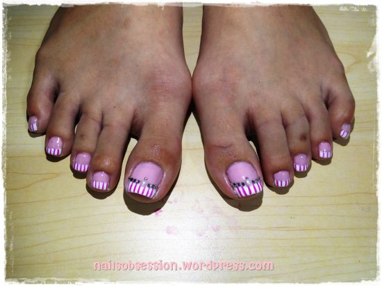 French Striped Toe Nail Art