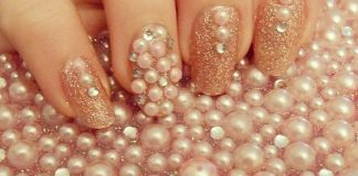 Pearls On Glittered Nails