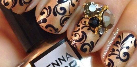 Jewels On Swirl Nails Design