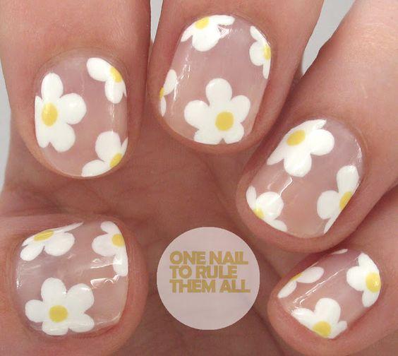 30 Lovely Daisy Nail Art | Nail Design Ideaz