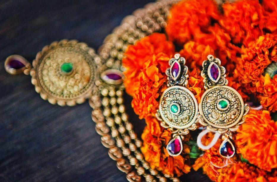 Anuradha-Vaibhav-Engagement-Indian-Wedding-Photography-Knottytales-Naina-09.jpg