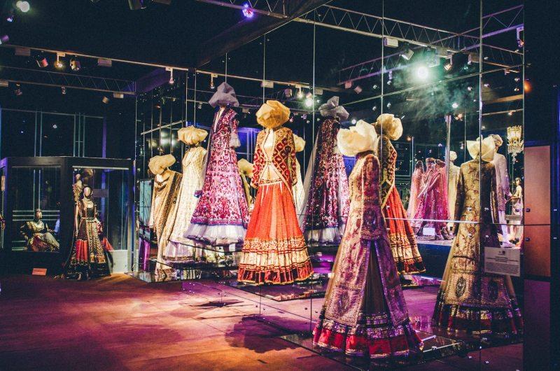 Tarun-Tahiliani-Bridal-Couture-Wedding-Wear-Fashion-Designer-Photographer-Naina-Knottytales-60.jpg